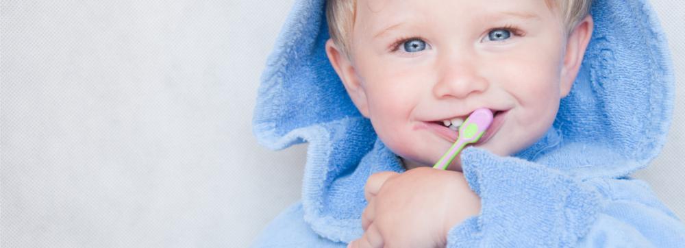 つくば、つくばみらい、常総エリアにある歯医者のつるみ歯科医院で子供の歯を強化するフッ化物塗布を行っています