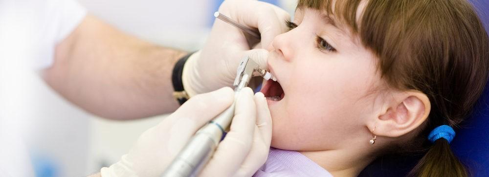 いばらきのつくば市のつるみ歯科医院ではPMTCによる歯のクリーニングを行っています。